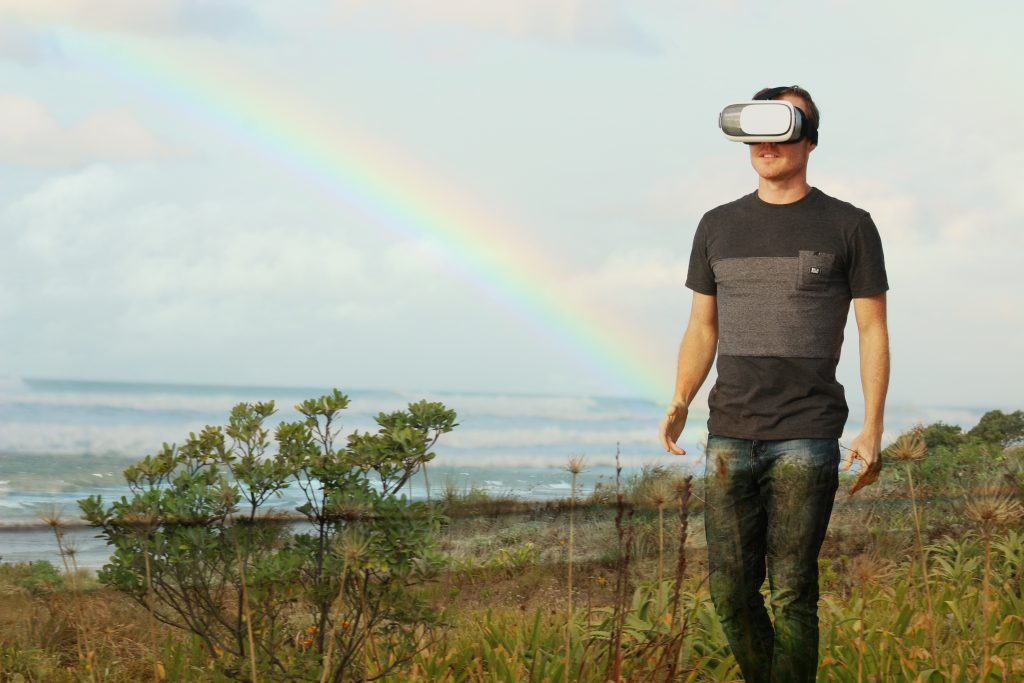 vr-tech-man-walking